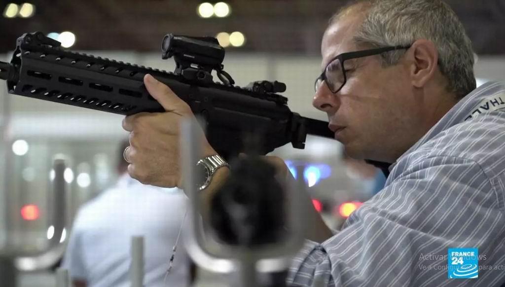 Críticas a Bolsonaro por decretos sobre compras de armas
