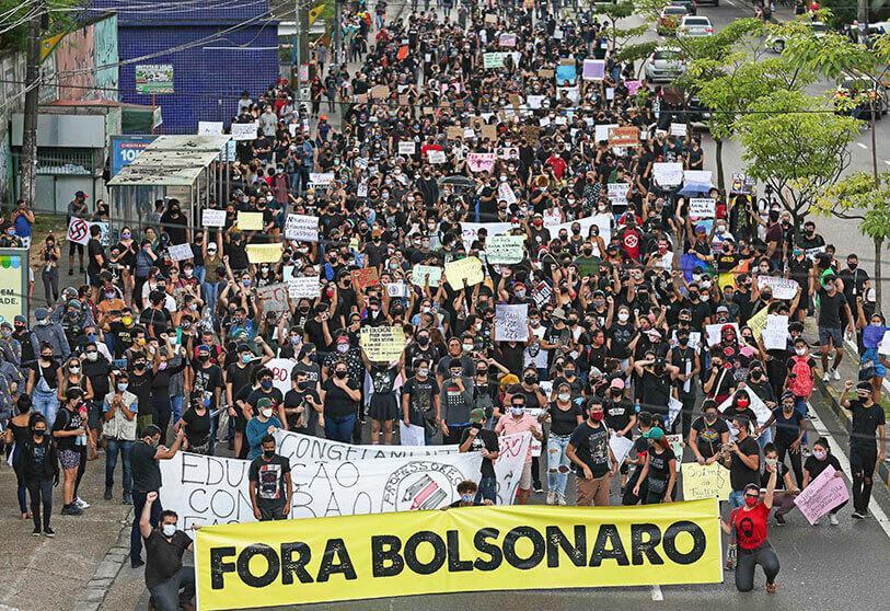 Brasileños en las calles para exigir juicio político contra Jair Bolsonaro