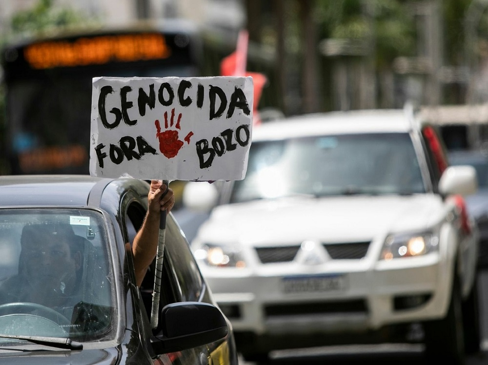 I brasiliani scendono in piazza per chiedere l'impeachment di Jair Bolsonaro