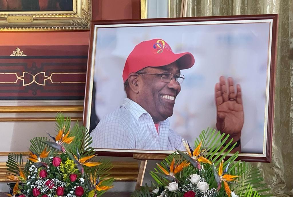 Rinden honores a Aristóbulo Istúriz en Venezuela