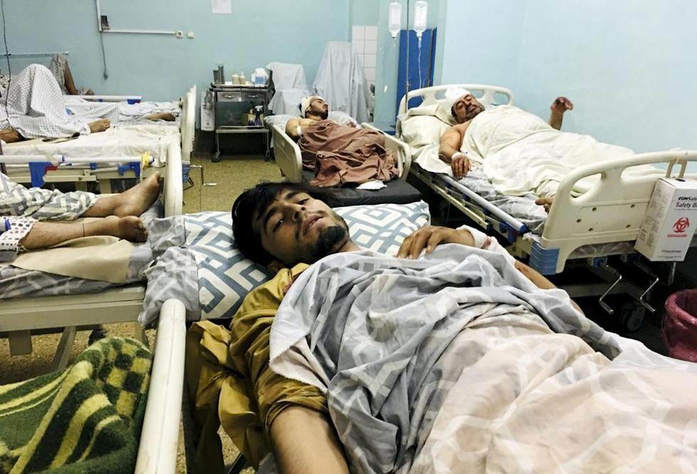 Asciende a casi un centenar cifra de víctimas por doble atentado en Kabul