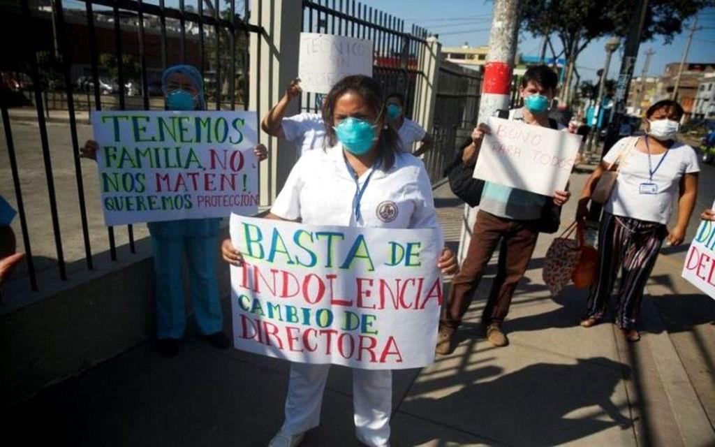 Médicos peruanos se declaran en huelga en medio de la segunda ola de casos de la Covid-19