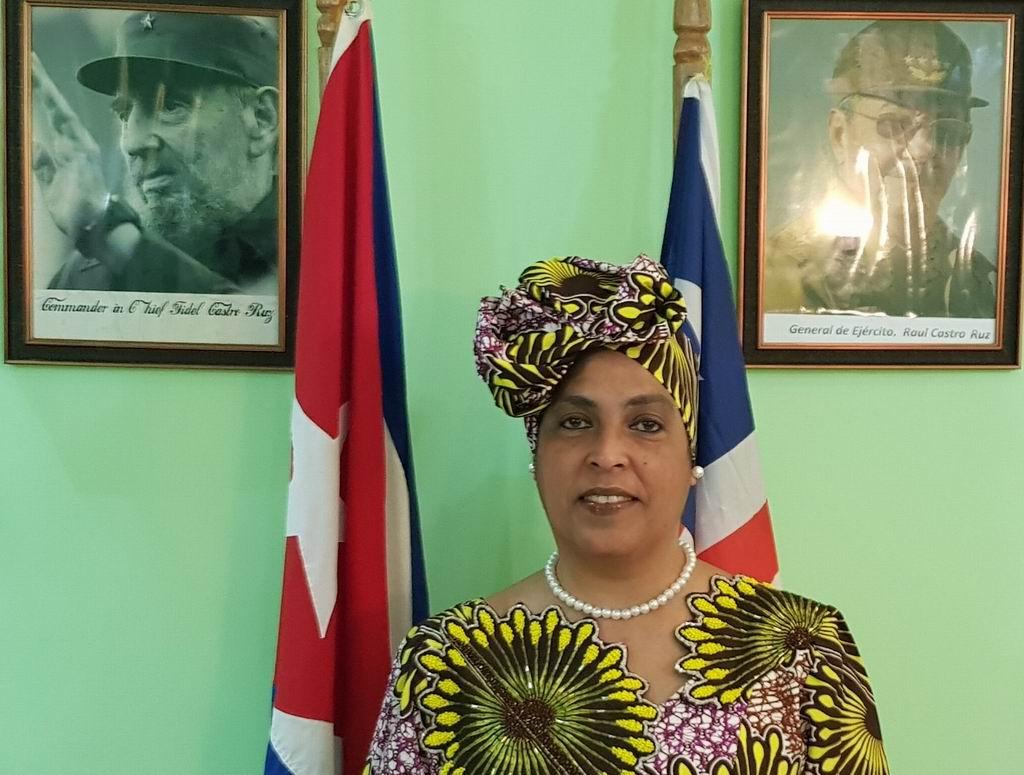 La embajadora de Cuba en Liberia Mercedes L. Martínez Herrera envió un mensaje de felicitación a propósito de este 25 de mayo cuando se celebra el Día de África.