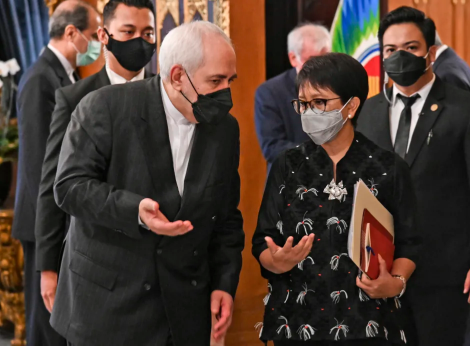 Iranian foreign minister visits Indonesia to sign mutual agreements
