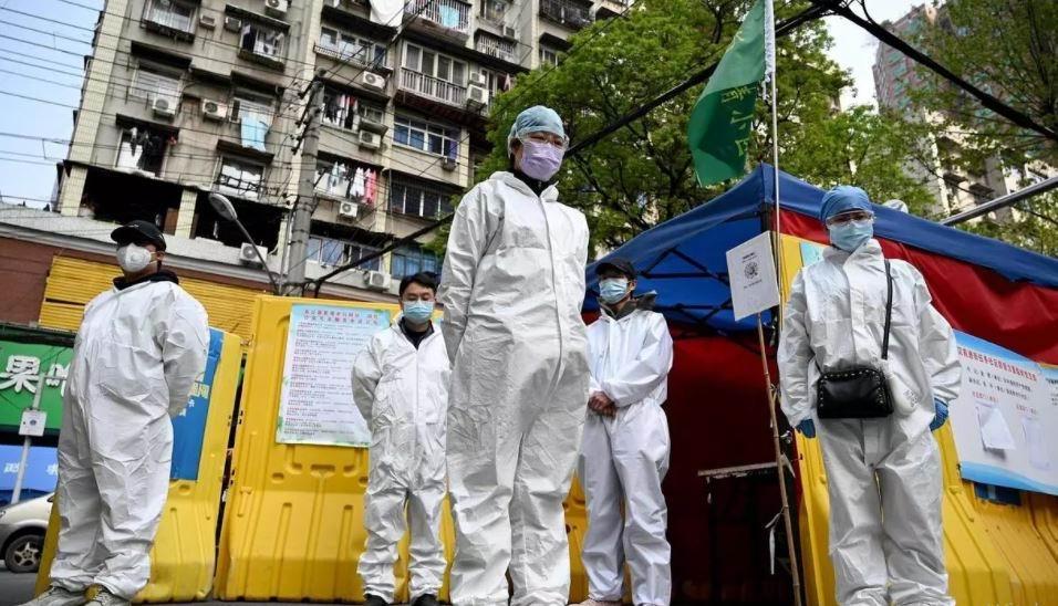 Labora equipo de la OMS en China
