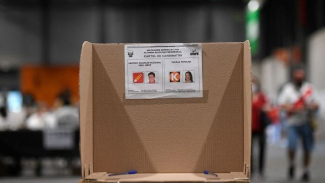 Avanza lentamente recuento de votos en Perú