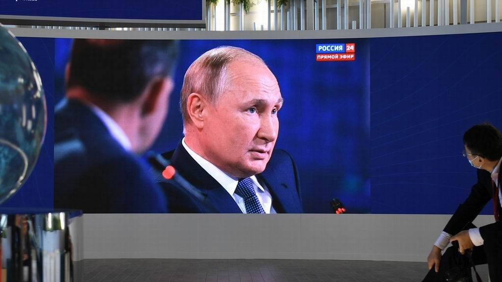 Putin acusa a países líderes de bombear dinero a sus economías en plena pandemia