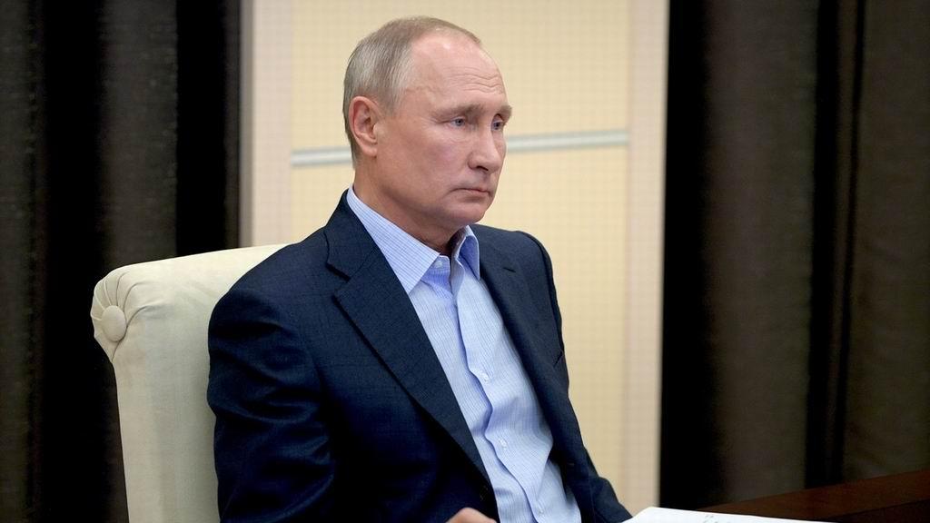 Putin en cuarentena debido a los contagios de covid-19 en su círculo cercano