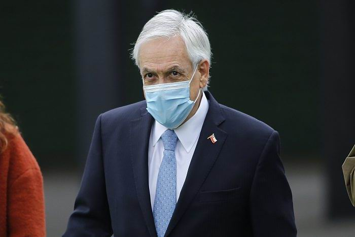 Chilenos apoyan acusación constitucional contra el presidente Piñera