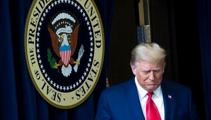 Se multiplican pedidos de destitución de Trump en medio de renuncias de funcionarios de su gobierno