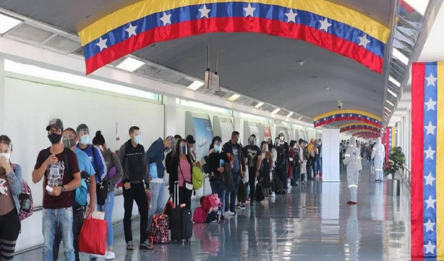 Retornan a su país 200 venezolanos provenientes de Chile