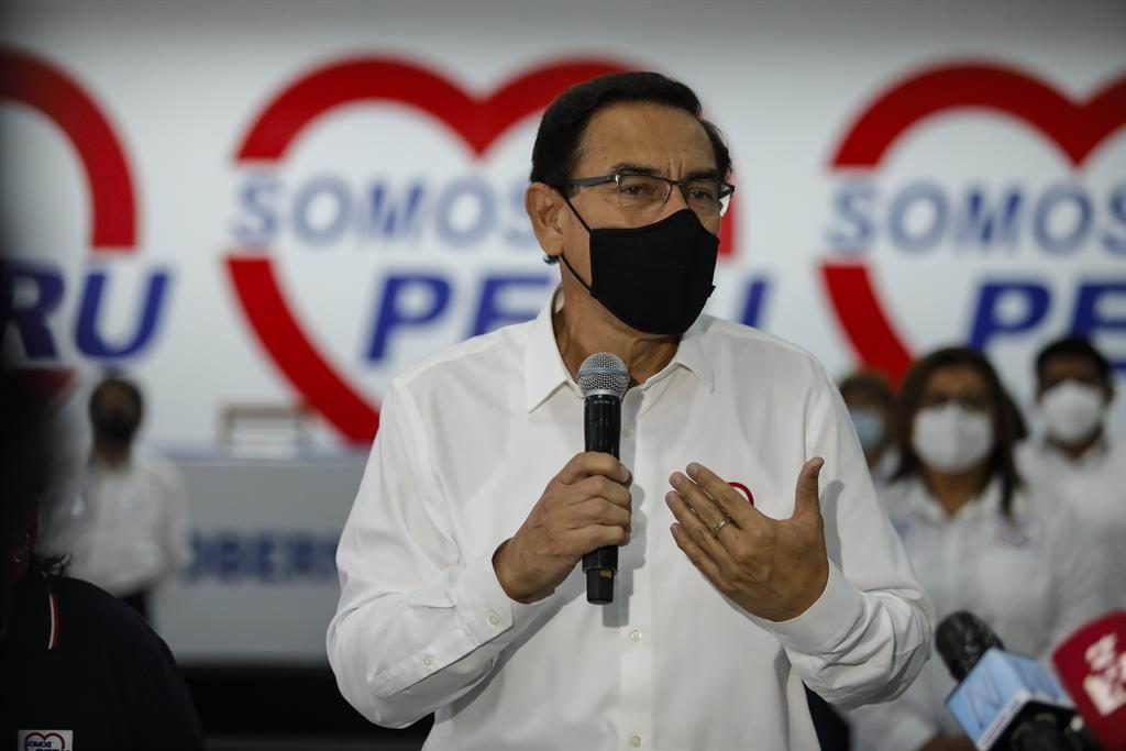 Expresidente Martín Vizcarra busca frenar su inhabilitación