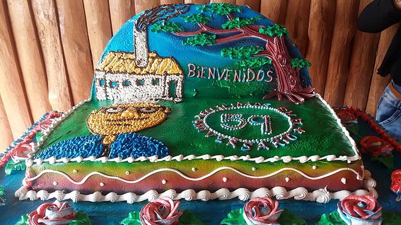 Cake por el cumpleaños 59 de Radio Rebelde. Foto: Mabel Peña