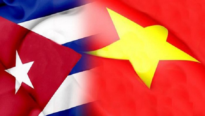 Raul Castro spoke by phone with the Leader of Vietnam Nguyen Phu Trong