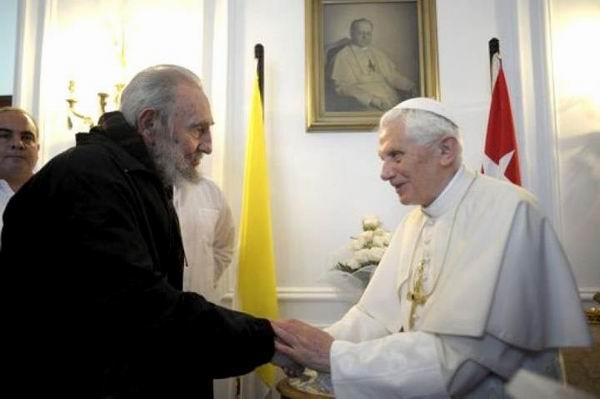 Fidel Castro se reúne con el Papa Benedicto XVI. Foto tomada de Cubasí
