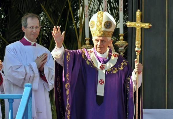 Su Santidad Benedicto XVI oficia la Santa Misa, en la Plaza de la Revolución José Martí, en La Habana, Cuba, el 27 de marzo de 2012. Foto: Marcelino Vázquez Hernández