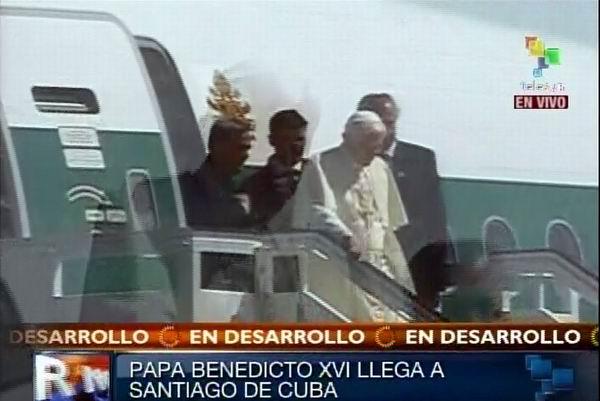 Sumo Pontífice Benedicto XVI llega a Cuba para una visita de tres días. 26 de marzo de 2012. Foto: TeleSUR / Radio Rebelde
