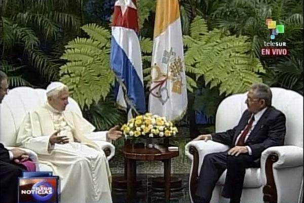 Benedicto XVI realiza visita de cortesía a Raúl Castro