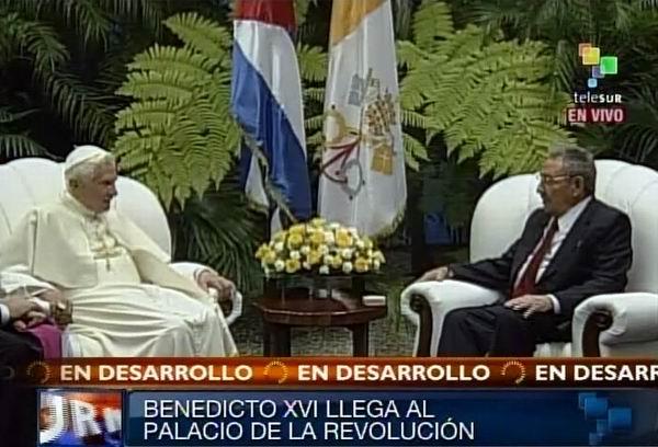 Benedicto XVI se reúne con Raúl Castro