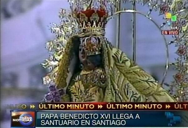 La Virgen de la Caridad del Cobre, Patrona de Cuba, en el Santuario a su imagen en Santiago de Cuba.  27 de marzo de 2012. Foto: TeleSUR / Radio Rebelde
