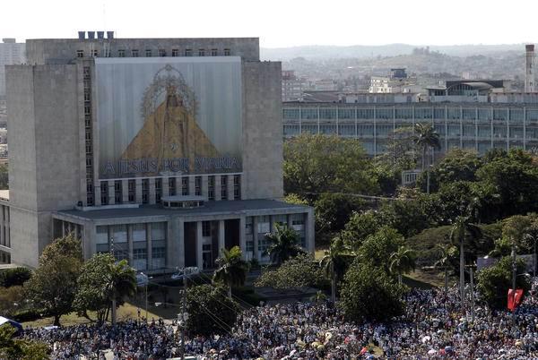 Imagen de la Virgen de la Caridad del Cobre en en la Plaza de la Revolución José Martí, en La Habana, Cuba, el 28 de marzo de 2012.Foto: René Pérez Massola