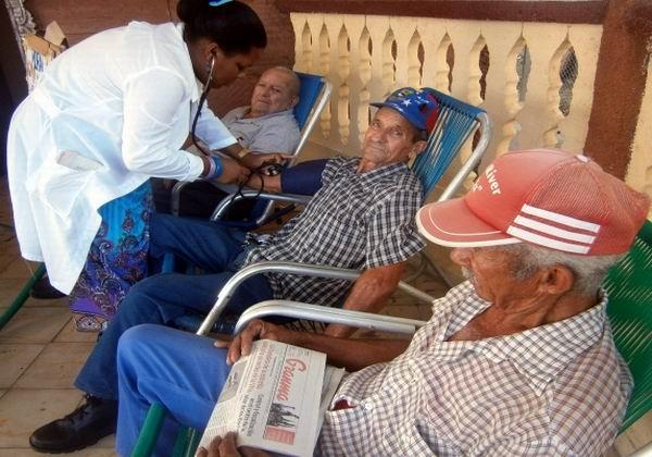 Avanzan servicios de geriatría en Cienfuegos