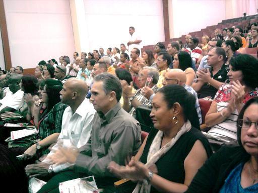 Tributan homenaje a Fidel en el D�a de la Ciencia