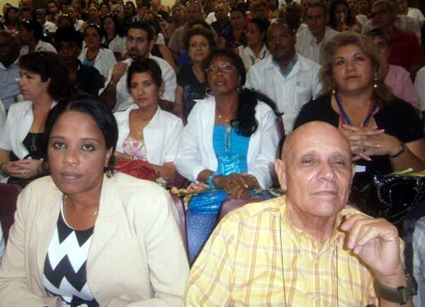 Acto nacional en Cienfuegos por el día del trabajador farmaceútico cubano. Foto Mireya Ojeda