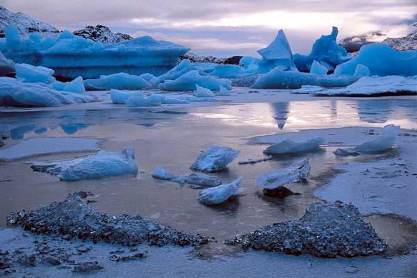 Buscan vida bajo el hielo en la Antártica