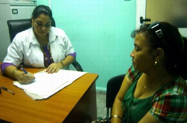 Luego de tres años de trabajo atendieron a dos mil 400 parejas del centro de Cuba (Cienfuegos, Villa Clara, Sancti Spíritus, Ciego de Ávila y Camagüey), con más de 300 embarazos logrados. Foto: Mireya Ojeda