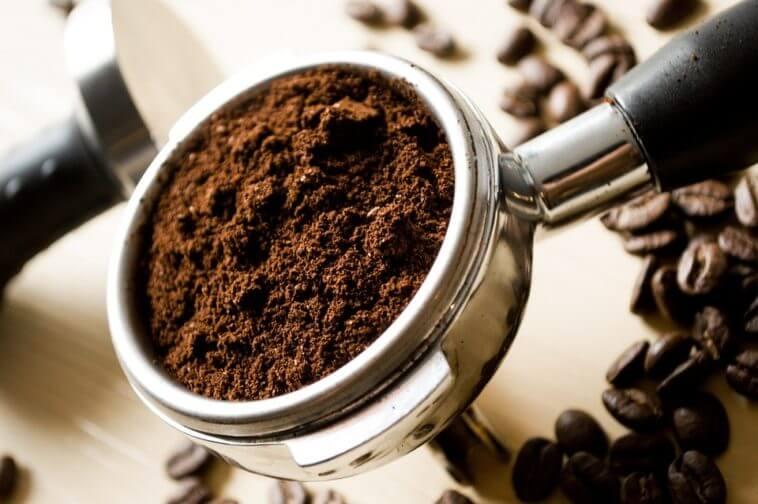 No bote la borra del café