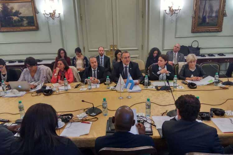 Asiste Cuba a reunión Unión Europea-América Latina sobre drogas