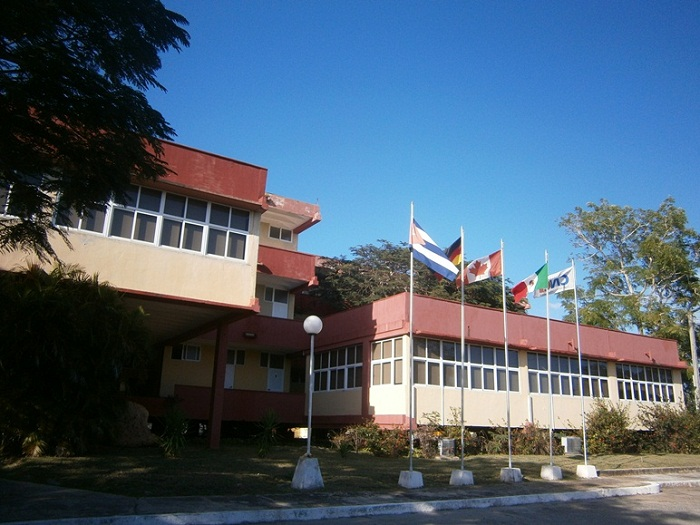 Centro Nacional para Certificación Industrial con reconocimientos académicos