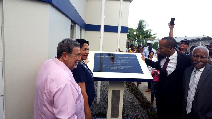 Cuba and St. Vincent open a modern medical center