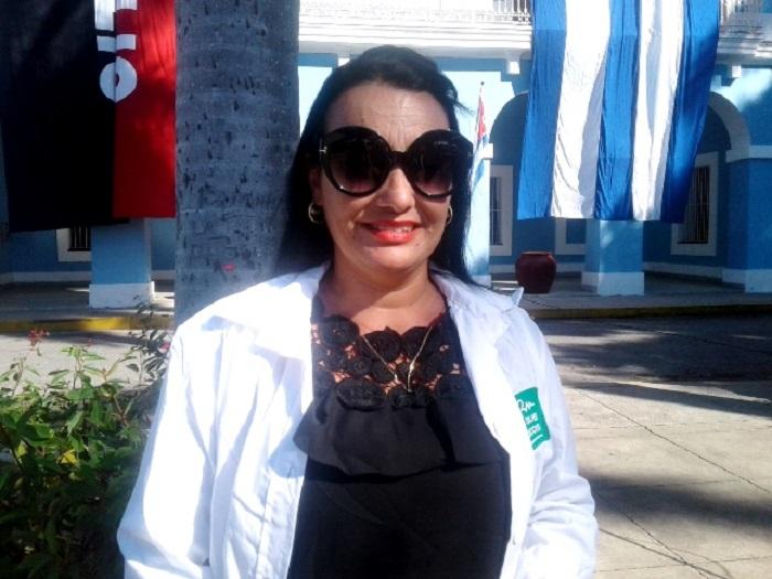Doctora Surisaday: como una Diosa en Brasil