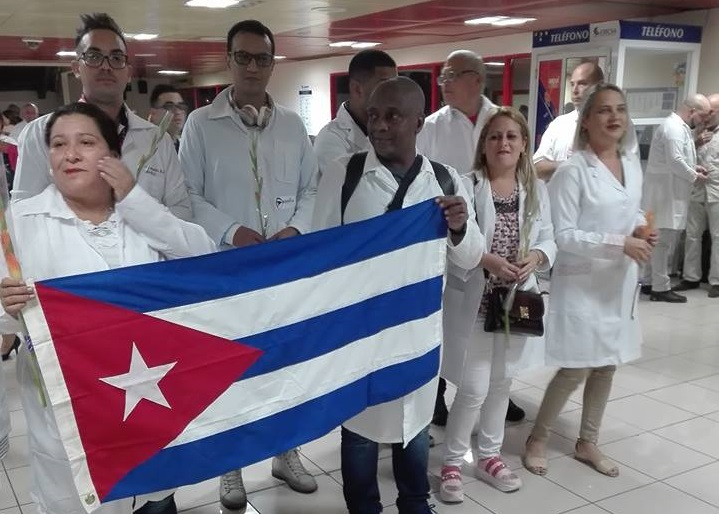 Another group of 200 doctors arrive in Cuba from Brazil