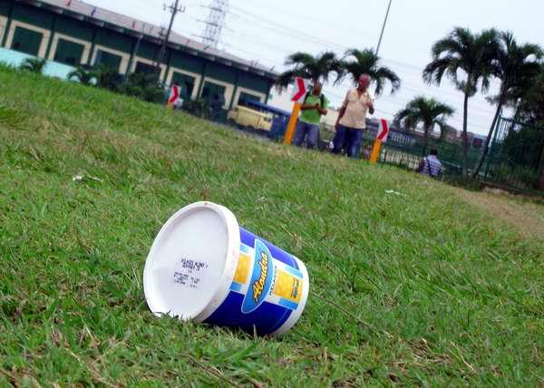 Desecho sólido contaminando el medio ambiente