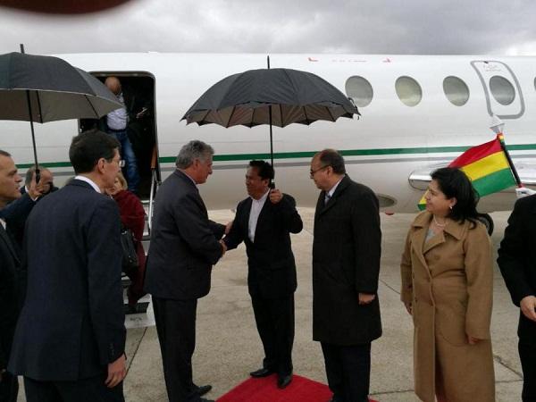 Inicia Díaz-Canel visita oficial a Bolivia