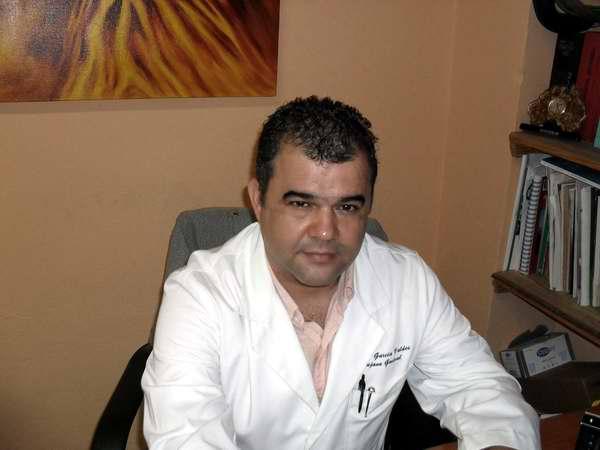 Dr Abel García Valdés, jefe del servicio de cirugía general del Hospital Clínico Quirúrgico Docente Calixto García de la capital cubana