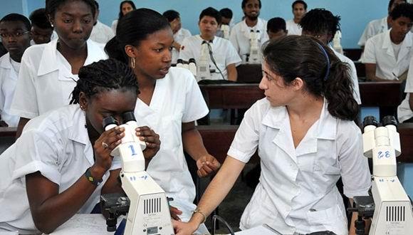 Actualizan ingreso a Ciencias Médicas en Santiago de Cuba