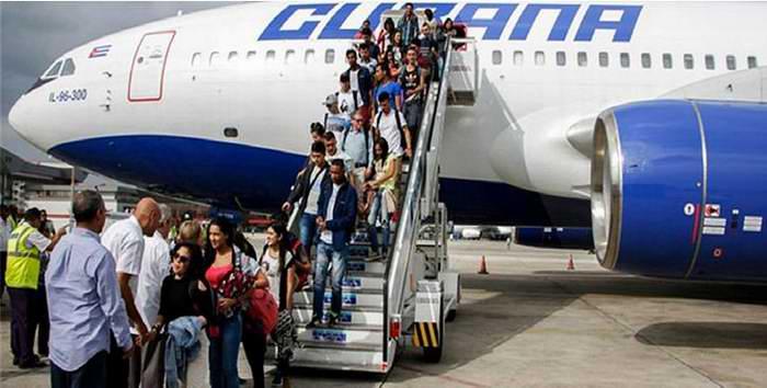 Arribaron a Cuba exguerrilleros colombianos para estudiar medicina