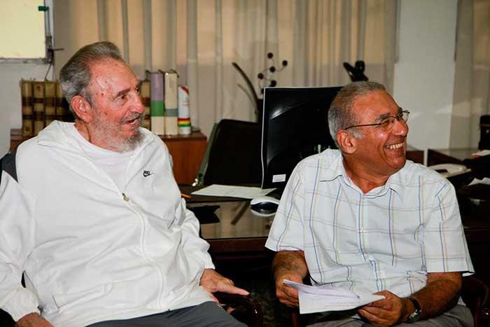 Reconocen aportes de Fidel al polo científico cubano