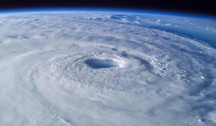 ¿Quién les pone el nombre a los huracanes?
