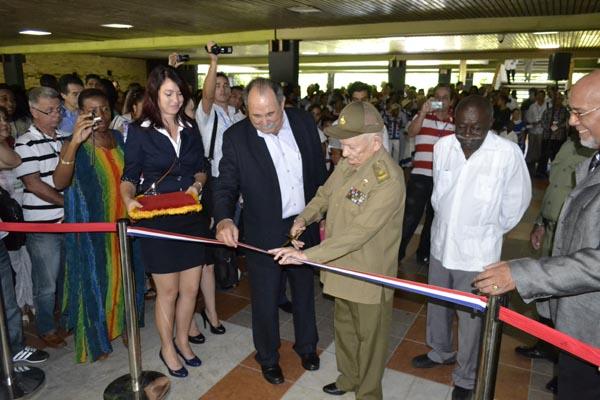 Inauguran Expo-Labiofam en Palacio de Convenciones