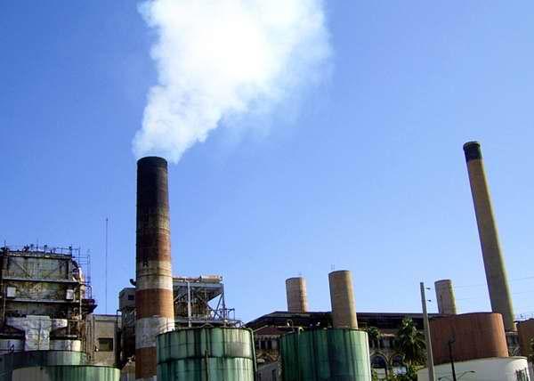 Las industrias son una de las mayores fuentes de contaminación medioambiental