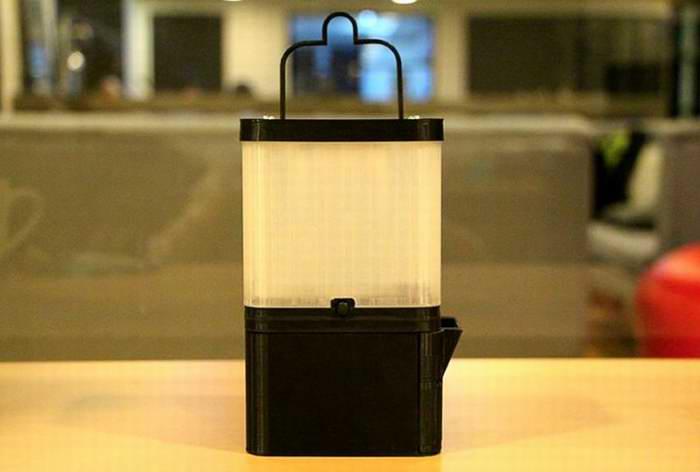 Lámpara de agua y sal que funciona como cargador USB