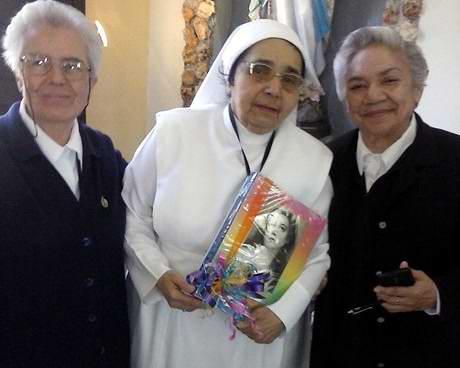 .- La primera Doctora en Ciencias Médicas Quirúrgica de esta provincia del centro sur y la única monja de Latinoamérica con tal categoría, Lidia Torres Ajá, recibió el homenaje del Partido Comunista de Cuba en Cruces