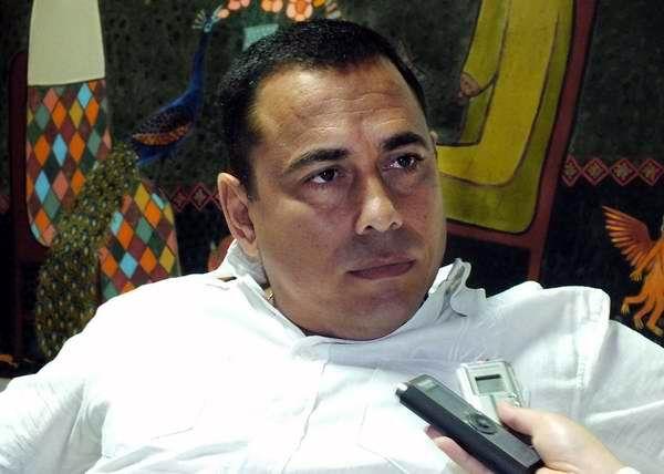 Dr. Mario César Muñoz Ferrer, director del Centro Nacional de Electromedicina. Foto: Abel Rojas Barallobre.