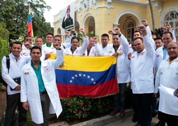 Concluyen m�dicos venezolanos adiestramiento en Cuba sobre �bola