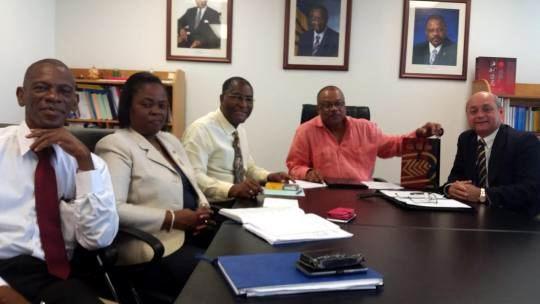 Visita Cuba ministro de salud de Barbados